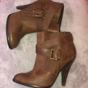 Super cute booties in really good condition